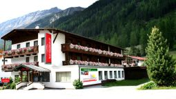 Buitenaanzicht first mountain Hotel Ötztal