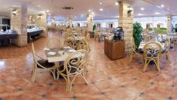 Restaurant Golden 5 Topaz Suites (Families & Couples Only)