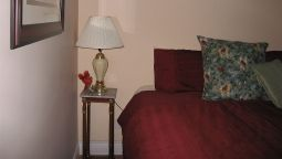 Hotel Twin Pines Bed & Breakfast - Peterborough