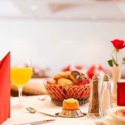 Arosa-Essen-Breakfast_room-1-31.jpg