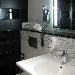 Wyndham_Duisburger_Hof-Duisburg-Bathroom-4-520.jpg