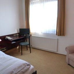 City_Hotel_Krefeld-Krefeld-Room-18-933.jpg