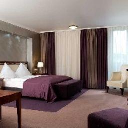 Wyndham_Garden-Kassel-Business_room-2-1150.jpg