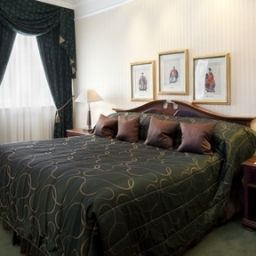 London_A_Taj_Hotel_St_James_Court_Formerly_Crowne_Plaza_LONDON_-_ST_JAMES-London-Info-13-1455.jpg
