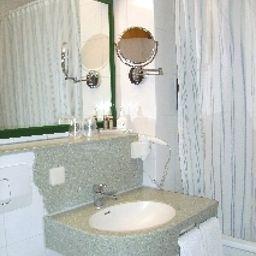 Kastanienhof-Erding-Bathroom-1-1798.jpg