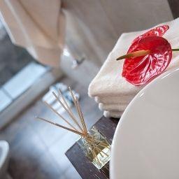 C-hotels_Ambasciatori-Florence-Bathroom-1-1889.jpg