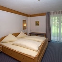 Adler-Stube-Muenstertal-Double_room_standard-2-2733.jpg