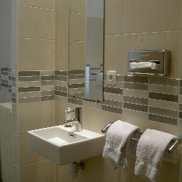 La_Residence-Narbonne-Bathroom-3-2967.jpg