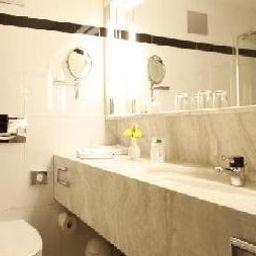 Rheingold-Freiburg-Bathroom-3066.jpg