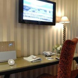 Romantik_Hotel_das_Smolka-Hamburg-Superior_room-2-3213.jpg