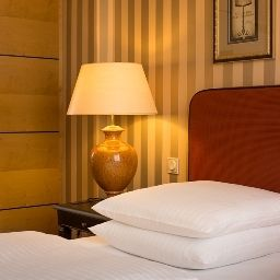 Romantik_Hotel_das_Smolka-Hamburg-Double_room_superior-5-3213.jpg