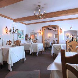 Restaurant/salle de petit-déjeuner Grüning