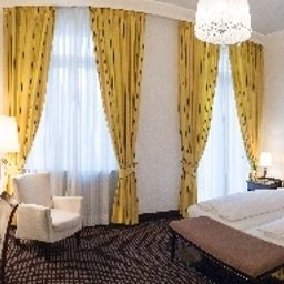 Am_Sophienpark-Baden-Baden-Double_room_superior-3516.jpg