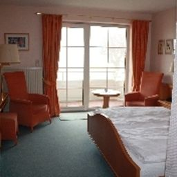 Strauers_Hotel_am_See-Bosau-Room_with_a_view_of_the_lake-1-3938.jpg