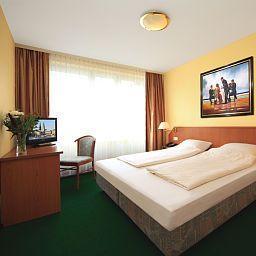 Lafayette-Hamburg-Room-1-4015.jpg