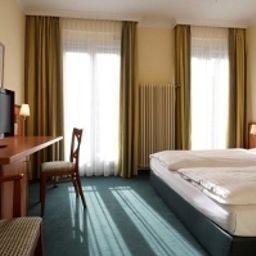 InterCityHotel-Munich-Superior_room-1-4053.jpg