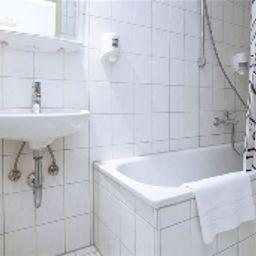 Smart_Stay_Schweiz-Munich-Bathroom-1-4070.jpg