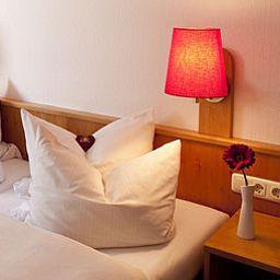 Smart_Stay_Schweiz-Munich-Room-1-4070.jpg