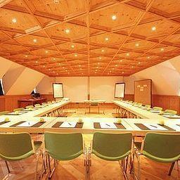 Riesengebirge_Landgasthof-Hotel-Neuhof-Conference_room-4098.jpg