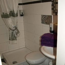 Bathroom Andres