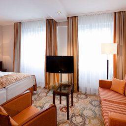 Oranien-Wiesbaden-Double_room_superior-1-4633.jpg