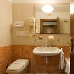 Excelsior_San_Marco-Bergamo-Bathroom-1-5175.jpg