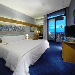 Sheraton_Catania_Hotel_Conference_Center-Aci_Castello-Double_room_standard-5268.jpg