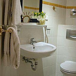 Bathroom Berliner Hof Garni