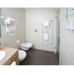 Bathroom Biederstein Am Englischen Garten