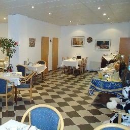Center-Essen-Breakfast_room-1-6644.jpg