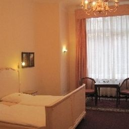 Fasanenhaus_Hotel-Pension-Berlin-Room-3-6798.jpg