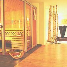 Maxhotel-Lindau-Wellness_and_fitness_area-2-6905.jpg