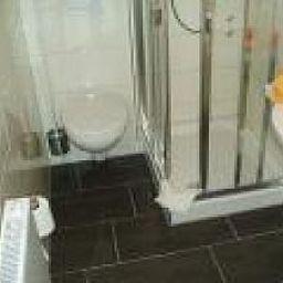 Friedrichs-Neumuenster-Bathroom-9065.jpg