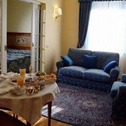 Ambassador_Palace-Udine-Suite-9620.jpg