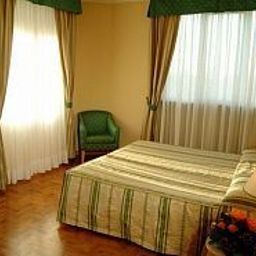 Ambassador_Palace-Udine-Room-9620.jpg