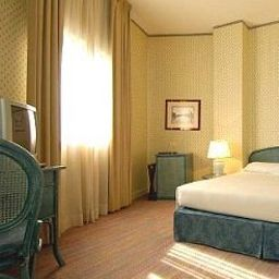 Room Grand Hotel Astoria