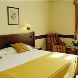 Oriente-Zaragoza-Room-4-9850.jpg