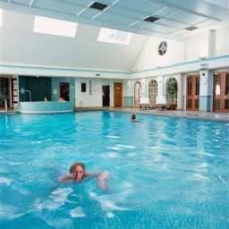 Hilton_St_Annes_Manor_Bracknell-Wokingham-Pool-1-10432.jpg