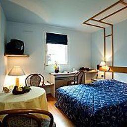 Cottage_Logis-Nancy-Room-10551.jpg