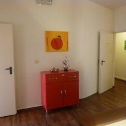 Buescher-Bielefeld-Hall-1-10711.jpg