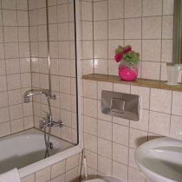 Schurwald-Plochingen-Bathroom-11233.jpg