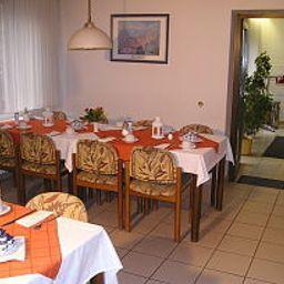 Schurwald-Plochingen-Breakfast_room-11233.jpg
