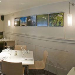 Restaurant JCT.28 Holiday Inn BRENTWOOD M25