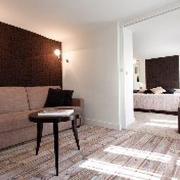 Passy_Eiffel-Paris-Junior_suite-3-11622.jpg