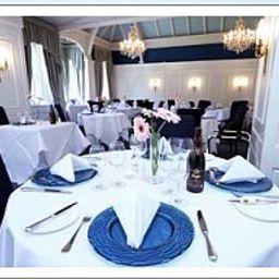 Coed-Y-Mwstwr-Bridgend-Restaurant-1-11674.jpg