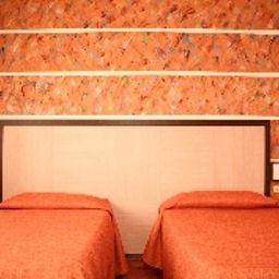 Comfort room Eden