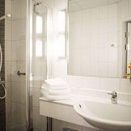 Elite_Adlon-Stockholm-Bathroom-2-13517.jpg