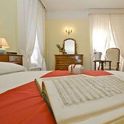 Helvetie-Montreux-Room-4-13945.jpg