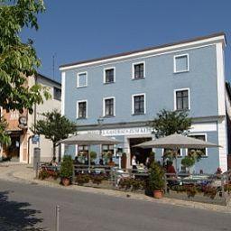 Zum_Kellermann_Gasthaus-Grafenau-Terrace-15442.jpg