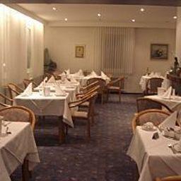 Zum_Schwanen-Wermelskirchen-Breakfast_room-15744.jpg